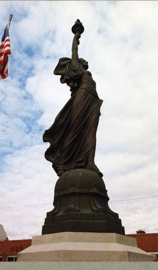 (World War I Memorial)